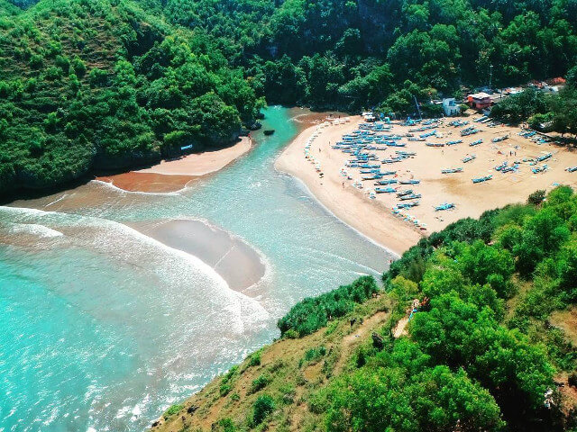 Pantai Baron Objek Wisata Laut Paling Terkenal di Gunung Kidul