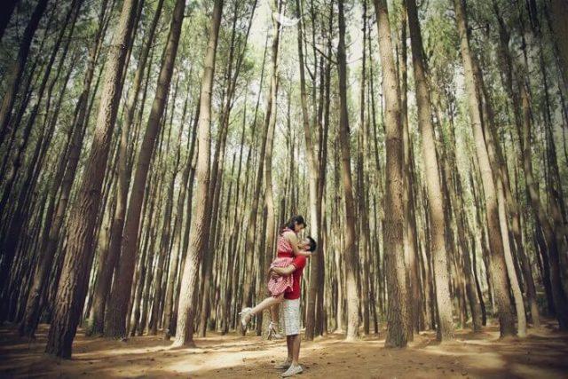 prewedding Hutan-Pinus-Imogiri