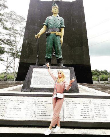 Tokoh Komarudin Dalam Film Janur Kuning Menjadi Bagian Tak Terpisahkan Dari Monumen Plataran