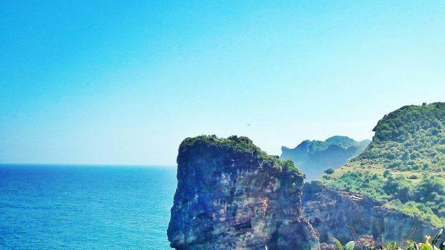 Pantai Ngongap, Salah Satu Pantai Tak Berpasir Bagi Petualang Sejati