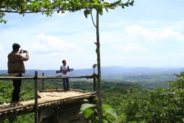 Gardu Pandang Candi Ijo, Objek Wisata Gratis di Sisi Tebing Breksi