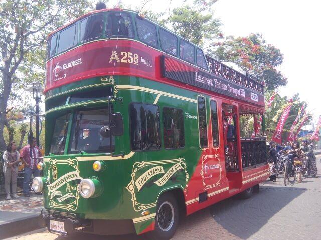Bus Domapan, Icon Wisata Jogja di Ruas Jalan