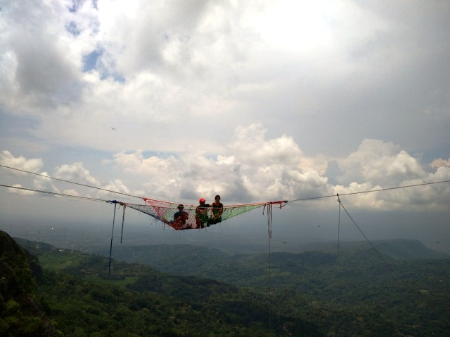 cliff swing jogja