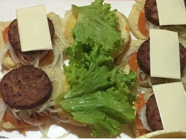Kuliner Legendaris Jogja, Tak Hanya Gudeg Ternyata Masih Ada Burger Monalisa